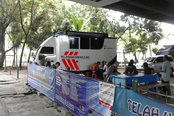 Pelayanan SIM Keliling Polda Metro Jaya - Nurudin Adullah/Bisnis
