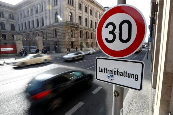 Jerman mendukung Uni Eropa mengusulkan target pengurangan 30% pada 2030. - REUTERS