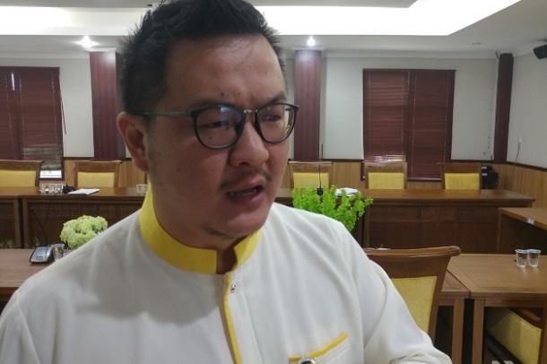Anggota Komisi III DPRD Kota Batam, Hendra Asman, saat ditemui di Ruang Rapat Komisi II DPRD Kota Batam. Hendra mendorong usulan hadirnya kebijakan pengusaha online di Batam bisa masuk dalam kategori IKM. - Bisnis/Bobi Bani