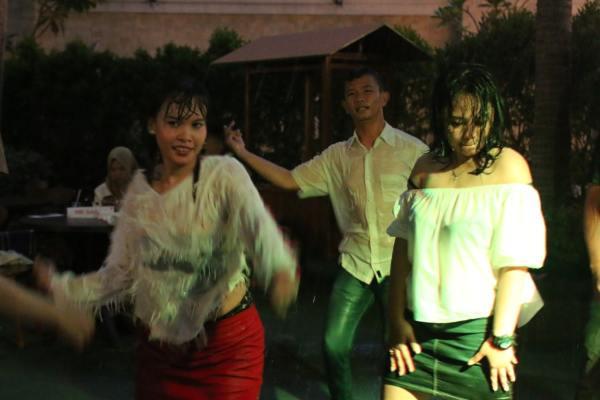 Perayaan malam Valentine di Harris Hotel Sentraland Semarang.