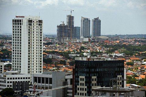 Salah satu sudut kota Surabaya, Jawa Timur - Antara/Zabur Karuru