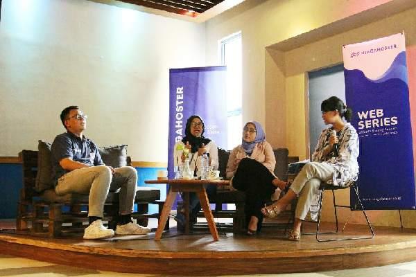 Website Sharing Session for Business (Webseries) 4.0 yg diadakan Niagahoster di Malang, Sabtu (22/2 - 2020). Perusahaan penyedia layanan web hosting itu mendorong UKM dapat berkembang dan naik kelas dengan memanfaatkan layanan website secara maksimal.