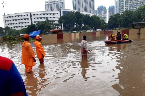 Banjir underpass Kemayoran - tmcpoldametro