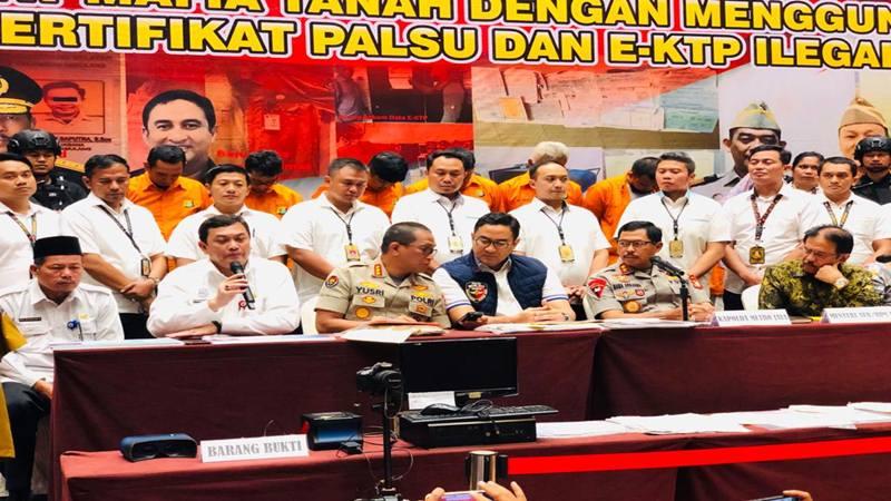 Kapolda Metro Jaya Irjen Polisi Nana Sudjana mengungkap penangkapan 7 tersangka kasus mafia tanah, Rabu (12/2/2020). JIBI - Bisnis/Sholahuddin Al Ayubbi