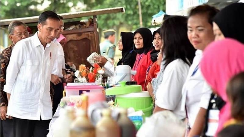 ilustrasi - Presiden Joko Widodo bertemu dengan pelaku UMKM di Jakarta. - Instagram @jokowi