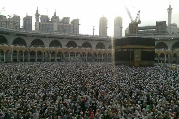 Suasana kegiatan beribadah di sekeliling Kabah - JIBI/Istimewa