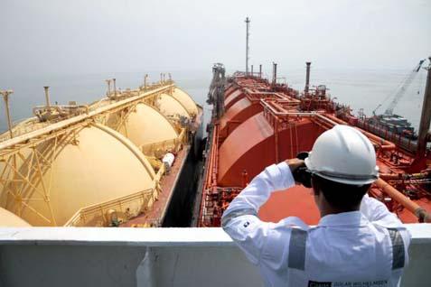 Ilustrasi instalasi kapal FSRU regasifikasi.