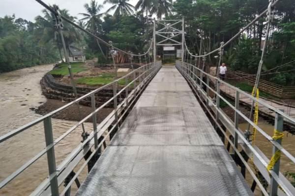 Jembatan gantung Cigeulis di Kabupaten Lebak Banten - Dok. Kementerian PUPR