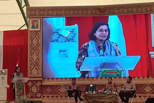 Menteri Keuangan Sri Mulyani saat rapat kerja percepatan penyaluran dan pengelolaan dana desa 2020, di Palembang, Jumat (28/2 - 2020).