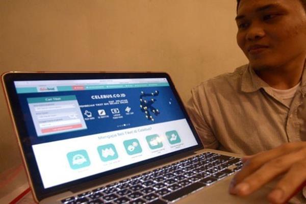 Penjualan tiket bus secara 'online' - Antara