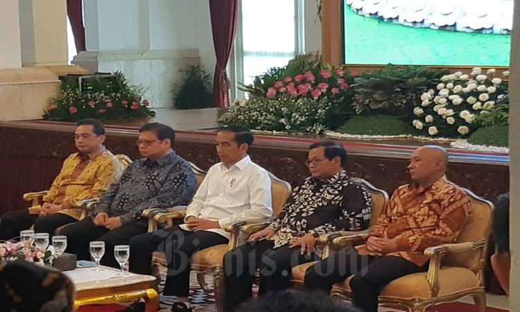 Prediden Joko Widodo  atau Jokowi bersiap membuka Rapat Kerja Kementerian Perdagangan di Istana Negara, Jakarta, Rabu (4/3/2020). JIBI - Bisnis/ Muhammad Khadafi\n\n