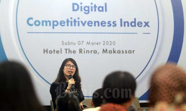 Partner East Ventures Melisa Irene memberikan oenjelasan pada acara Digital Competitiveness Index di Makassar, Sulawesi Selatan, Sabtu (7/3/2020). East Ventures yang merupakan perusahaan modal ventura di Indonesia tersebut mengatakan indeks daya saing digital di Sulsel berada di peringkat ke 9 dari 34 provinsi di Indonesia dengan skor 36,2, berada di bawah Kalimantan Timur dengan skor 37,9. Bisnis - Paulus Tandi Bone