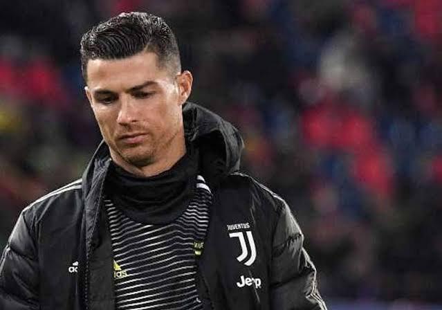 Striker Juventus, Cristiano Ronaldo - Around Third