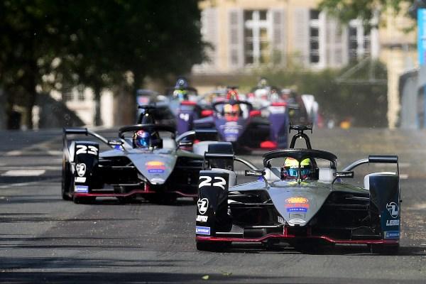 Laga Formula E di jalanan kota Paris, Prancis pada Sabtu (27/4/2019). - Reuters