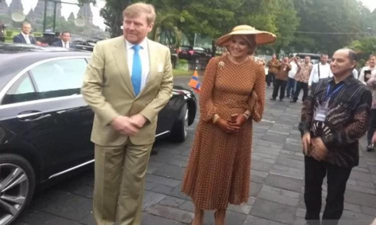 Raja Belanda Wilem Alexander dan Ratu Maxima Zorreguieta tiba di Pendopo Museum Candi Prambanan pada Rabu (11/3/2020). - Antara/Victorianus Sat Pranyoto