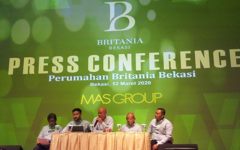 Jajaran Direksi MAS Group melakukan konferensi pers peluncuran rumah Rp200 jutaan melalui proyek Britania Raya di Tambun, Bekasi - Bisnis/Mutiara Nabila.