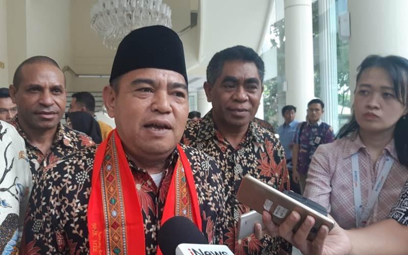 Ketua Asosiasi DPRD Kabupaten Seluruh Indonesia (ADKASI) Lukman Said usai bertemu dengan Wakil Presiden Ma'ruf Amin di kantor Wapres, Jumat (13/3/2020). - Bisnis/Nindya Aldila