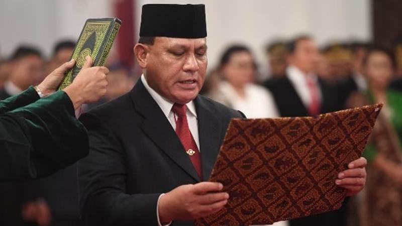 Ketua KPK Firli Bahuri saat membacakan sumpah jabatan - ANTARA/Akbar Nugroho Gumay