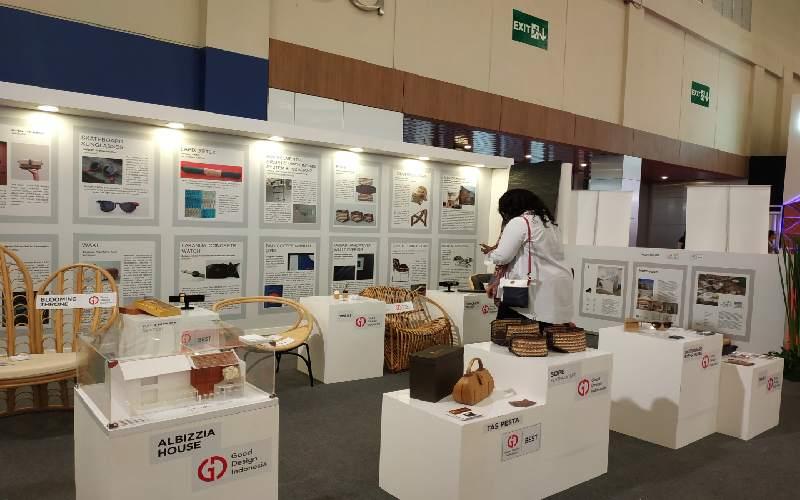 Produk/produk peraih GDI sedang dipamerkan pada pameran Trade Expo Indonesia (TEI) di Alun/alun Grand Indonesia, Jakarta.