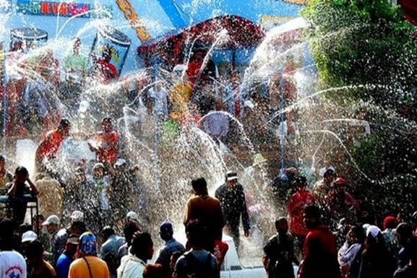 Perayaan Hari Raya Songkran - Istimewa