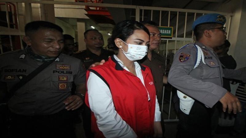 Vanessa Angel ketika menjalani sidang perdana, di Pengadilan Negeri (PN) Surabaya, Jawa Timur, Rabu (24/4/2019). - Antara