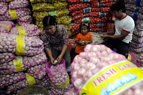 KONTROVERSI PELONGGARAN IMPOR : Drama Bawang Meradang