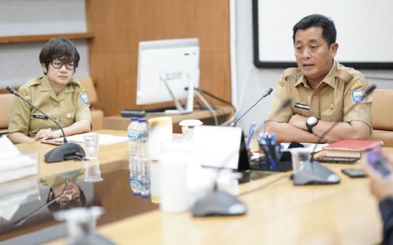 Sekda Kota Bandung Ema Sumarna (kanan) bersama Kepala Disbudpar Kota Bandung Kenny Dewi Kaniasari - Istimewa