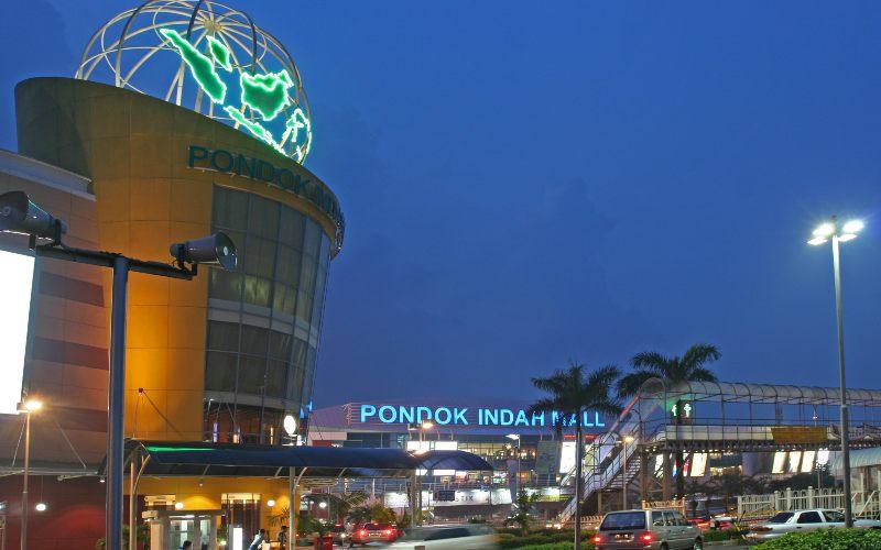 Area pintu masuk Pondok Indah Mall (PIM) di Jakarta Selatan. PIM merupakan salah satu portofolio pusat perbelanjaan yang dikelola PT Metropolitan Kentjana Tbk. - pondokindahgroup.co.id