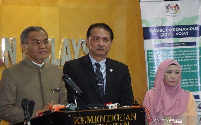 Dirjen Kesehatan Malaysia, Dr Noor Hisham Abdullah (tengah). Foto ANTARA - Agus Setiawan