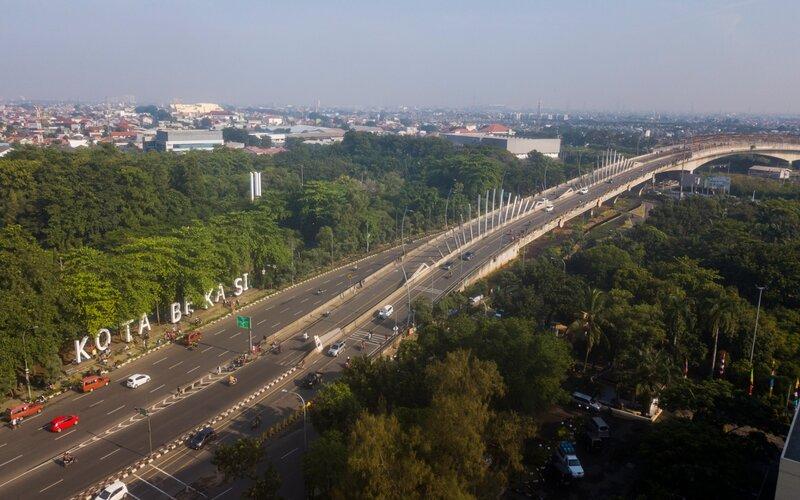 Foto udara landskap Bekasi di jalan Ahmad Yani, Bekasi, Jawa Barat, Minggu (15/3/2020). - Antara/Fakhri Hermansyah