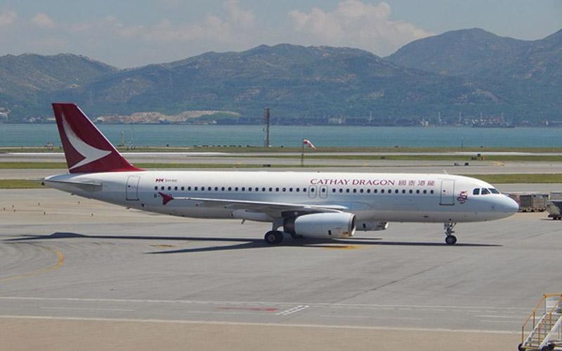 Ilustrasi pesawat Cathay Dragon. - philippineflightnetrwork.com