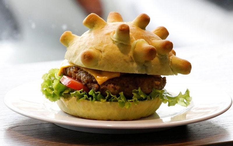 Burger Corona sajian juru masak di Hanoi, Vietnam. - Antara/Reuters