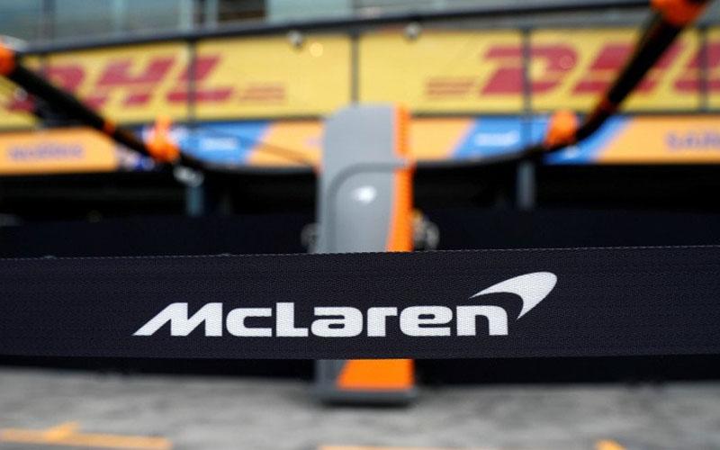 Logo McLaren di Sirkuit Melbourne, Australia. - Antara/Reuters/Edgar Su