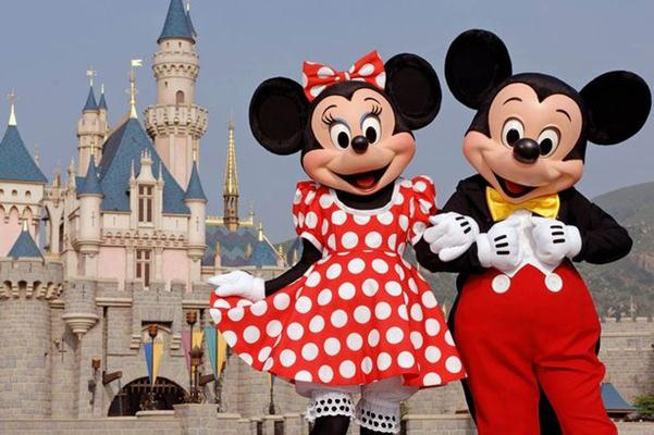 Mickey Mouse dan Minnie Mouse - Reuters