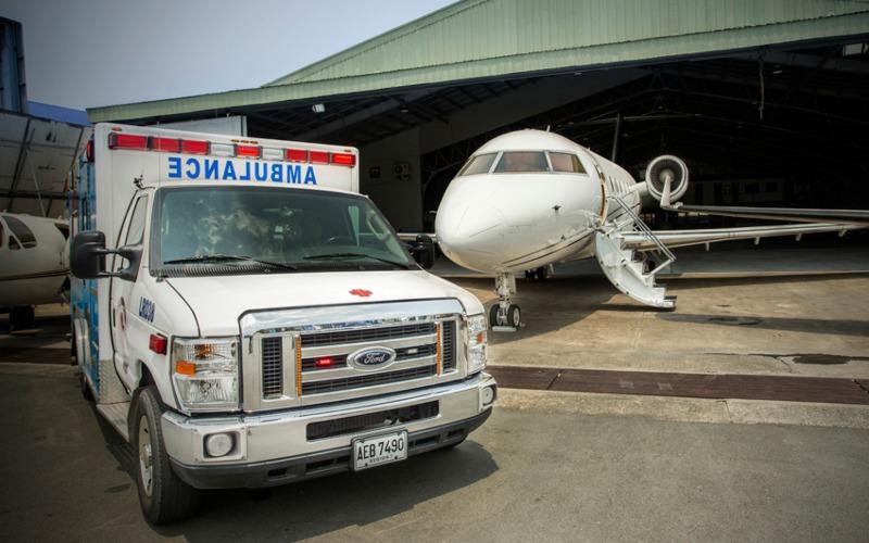 Pesawat ambulans udara milik maskapai charter Filipina, Lionair. - lionairinc.com