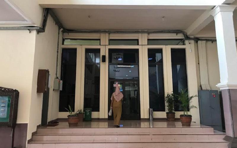 Aparatur sipil negara (ASN) di Kantor Bupati Cirebon, Kecamatan Sumber, Kabupaten Cirebon. - Bisnis/Hakim Baihaqi
