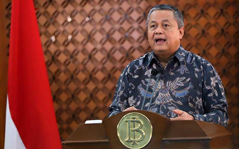 Gubernur Bank Indonesia (BI) Perry Warjiyo memberikan keterangan pers melalui streaming di Jakarta, Kamis (26/3 - 2020). Dok. Bank Indonesia