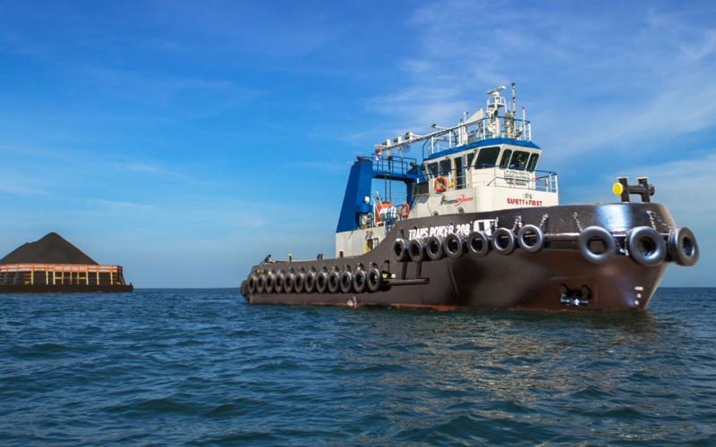 Kapal tug milik Trans Power Marine tengah menarik tongkang batu bara.  - transpowermarine.com
