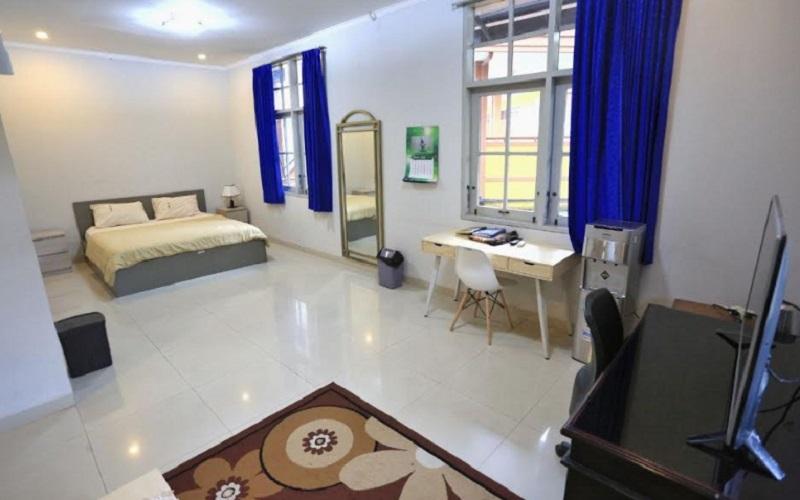 Di PPPPTK IPA di Jalan Diponegoro terdapat sekitar 90 kamar yang cukup representatif. Selain itu, letaknya juga cukup strategis dan tidak terlalu jauh dari RS Hasan Sadikin dan RS Rotinsulu sebagai rumah sakit rujukan COVID-19. - Bisnis/Dea Andriyawan