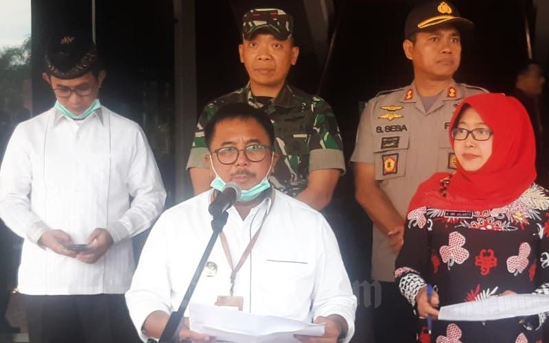 Walikota Balikpapan Rizal Effendi saat menyampaikan perkembangan terbaru positif Corona di wilayahnya, Jumat (20/3/2020) - Bisnis/Jaffry Prabu Prakoso