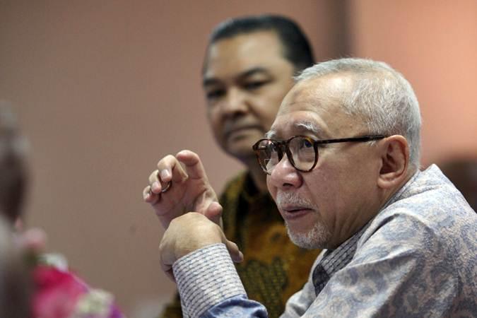 Presiden Direktur PT Bank Pan Indonesia Tbk Herwidayatmo memberikan penjelasan mengenai kinerja perusahaan usai rapat umum pemegang saham tahunan, di Jakarta, Rabu (19/6/2019). - Bisnis/Dedi Gunawan