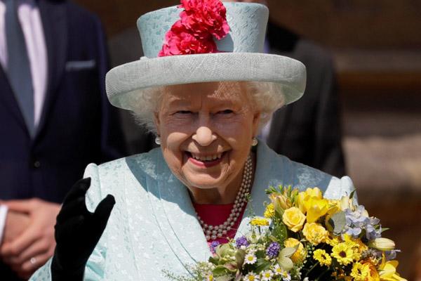 Ratu Elizabeth - Reuters