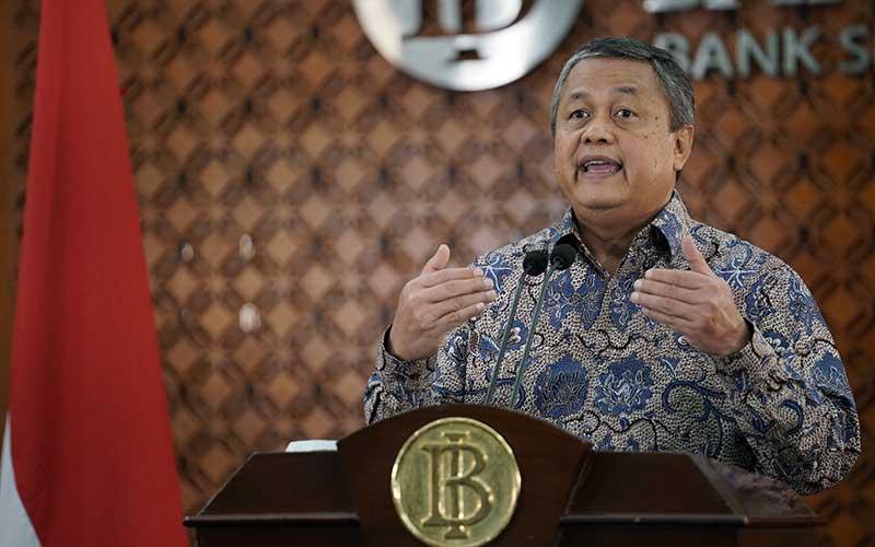 Gubernur Bank Indonesia Perry Warjiyo memberikan keterangan pers melalui video streaming di Jakarta, Kamis (2/4 - 2020). Dok. Bank Indonesia