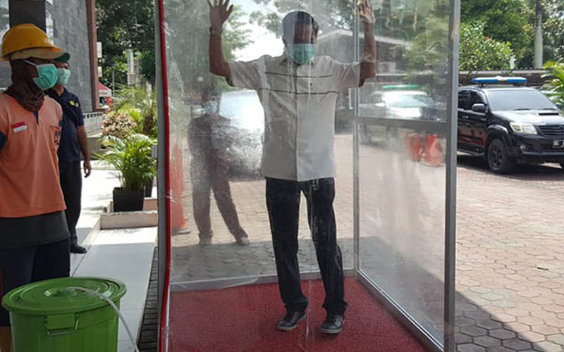 Bilik strelisasi Virus Corona atau Covid/19 yang dibuat Dinas PUPR Kota Palembang. Foto: Humas Pemkot Palembang