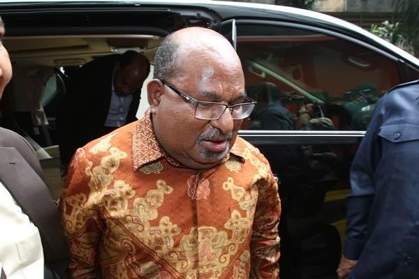 Gubernur Papua Lukas Enembe - ANTARA/Reno Esnir