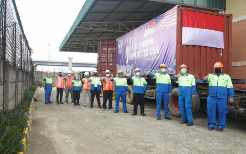 Seremoni ekspor produk baja PT Tata Metal Lestari ke Amerika Serikat dan Kanada. - Bisnis