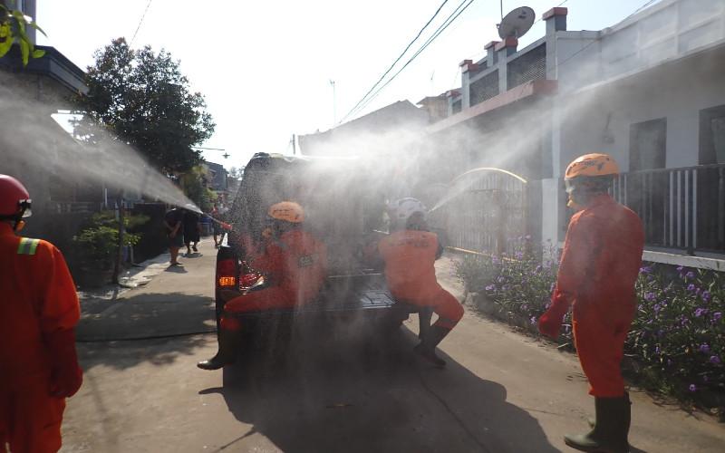 Suzuki Club Reaksi Cepat (SCRC) bersinergi dengan IOF (Indonesia Off/road Federation), BPPD Bekasi, Pramuka Peduli Bekasi, dan beberapa pihak lainnya, menurunkan tim untuk melakukan donasi dan penyemprotan disinfektan sejak 22 Maret 2020 hingga hari ini di beberapa titik di wilayah zona merah Jabodetabek dan juga beberapa daerah lainnya.