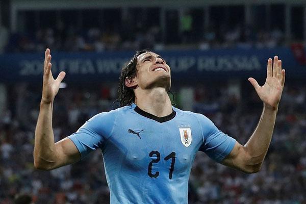 Edinson Cavani dalam balutan jersey Timnas Uruguay./Reuters - Murad Sezer