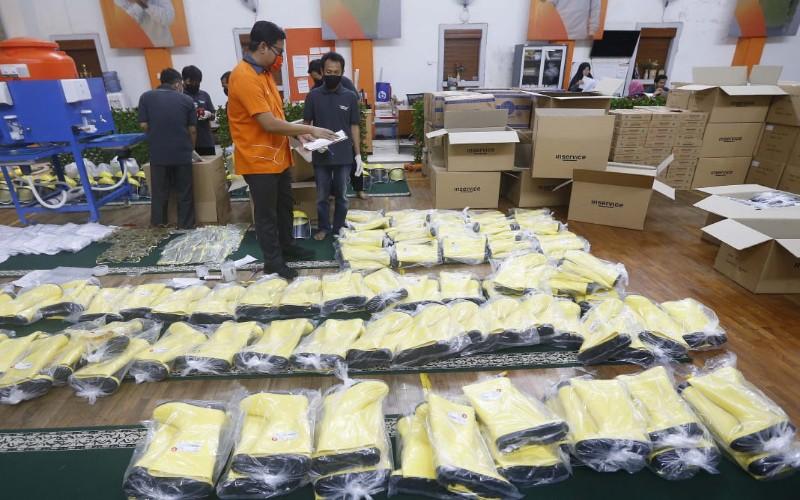 Rumah Zakat menargetkan bisa menyalurkan bantuan terhadap satu jugta masyarakat yang terdampak Pandemi Covid-19 di Indonesia. Penyaluran ditargetkan bisa dilakukan pada Ramadan mendatang. - Bisnis/Dea Andriyawan