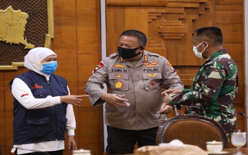 Kapolda Jatim, Irjen Pol Luki Hermawan berkoordinasi dengan Gubernur Jatim Khofifah I.